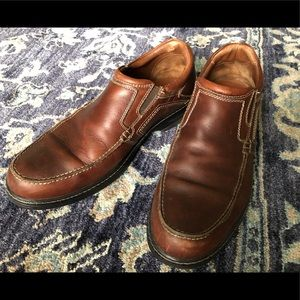 Men's Johnston & Murphy's brown leather loafers